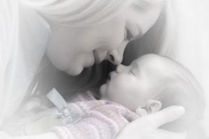 Hausgeburt - Mama mit Baby